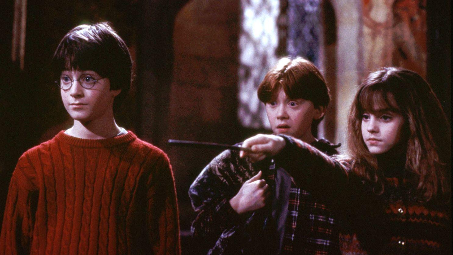 «Гарри Поттер и философский камень» преодолел планку вмиллиард долларов сборов