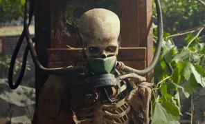 Какие фильмы посмотреть онлайн воктябре 2020? Клайв Баркер, лунный мюзикл и волосы-убийцы