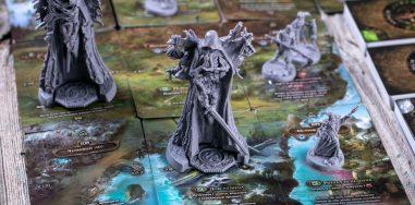 «Осквернённый Грааль». Обзор настольной игры о мрачном короле Артуре 12