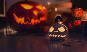 Что посмотреть и почитать накануне Хэллоуина? Ваши ответы!