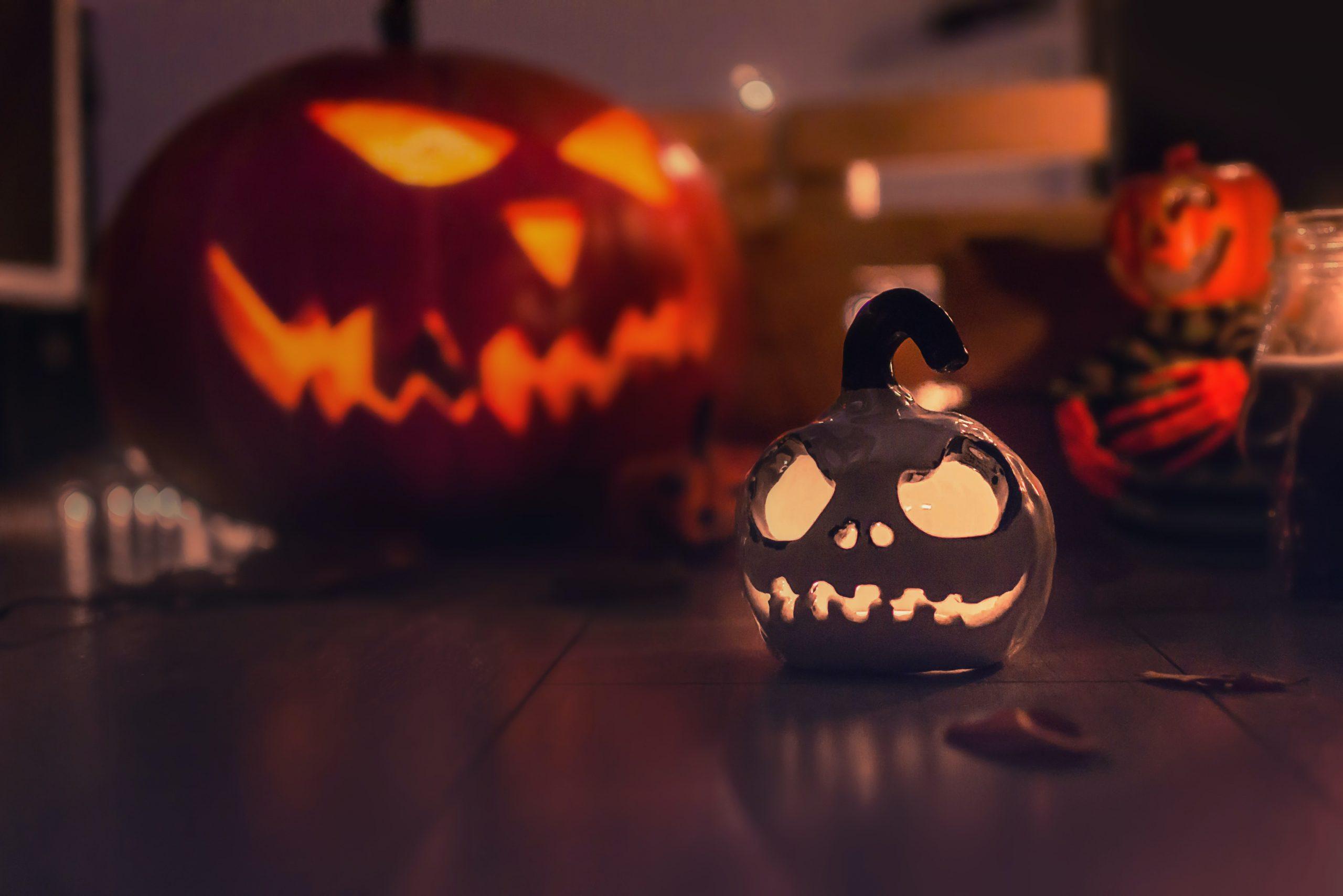 Что посмотреть и почитать накануне Хэллоуина? Ваш выбор!