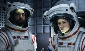 Netflix закрыл научно-фантастическую драму «Вдали» после первого сезона
