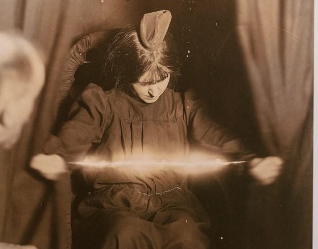Спиритизм, уиджи, психография. Как вызывали духов в старину 6