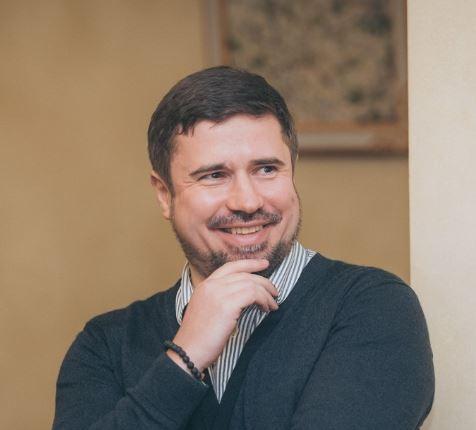 Сергей Шикарев