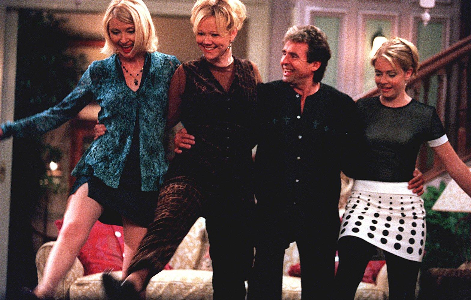 В четвертом сезоне «Сабрины» появятся Зельда и Хильда из ситкома 90-х