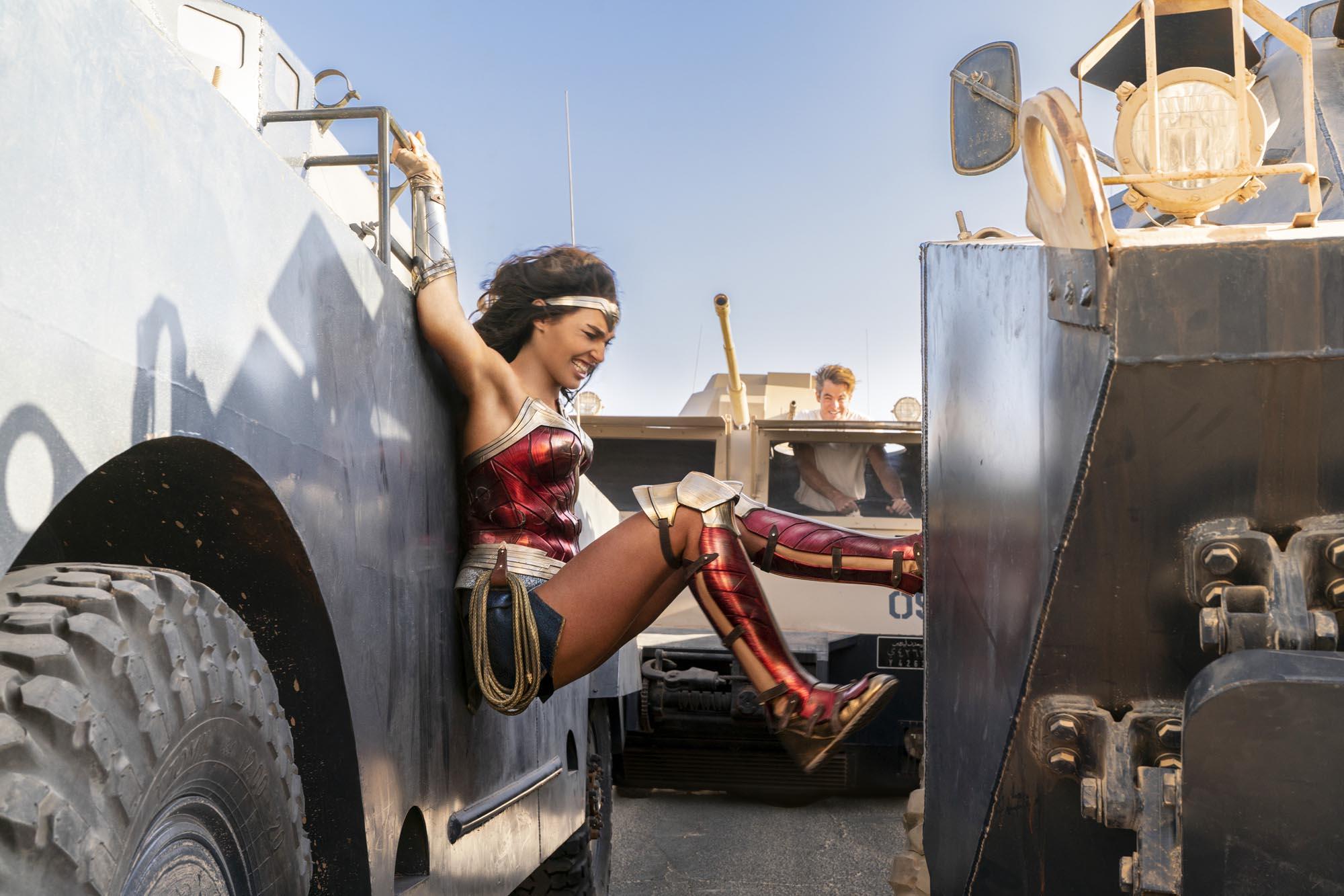«Чудо-женщина: 1984»: феминистский символизм и детский сюжет фильма 2