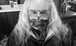 Ввозрасте 73 лет скончался Хью Кияс-Бёрн — Несмертный Джо из«Безумного Макса»
