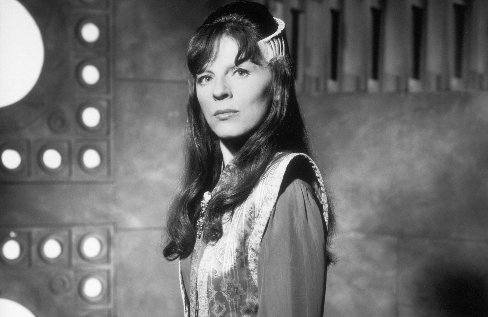 Ввозрасте 65 лет умерла актриса Мира Фурлан — Деленн из«Вавилон-5» 1