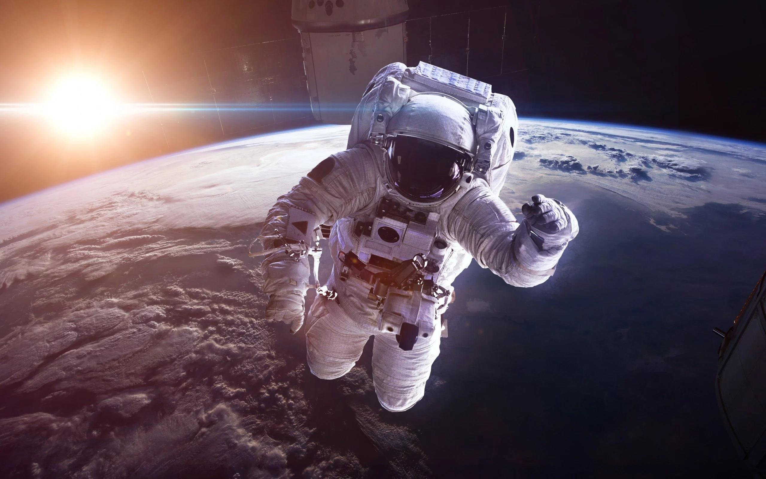 «Роскосмос» и «ЛитРес» проводят конкурс космических расскеа