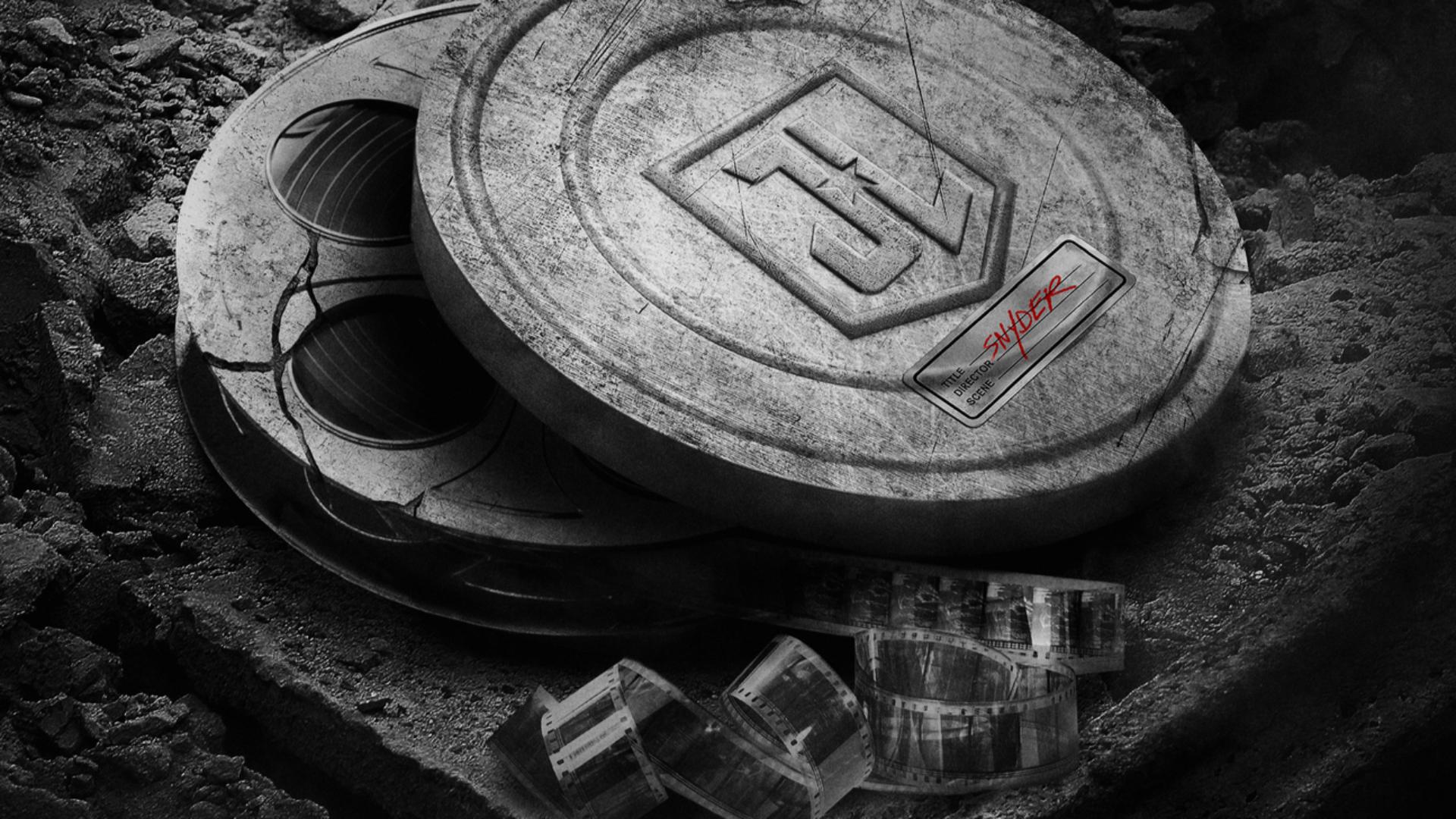 Фанаты Зака Снайдера требуют воскресить его киновселенную DC