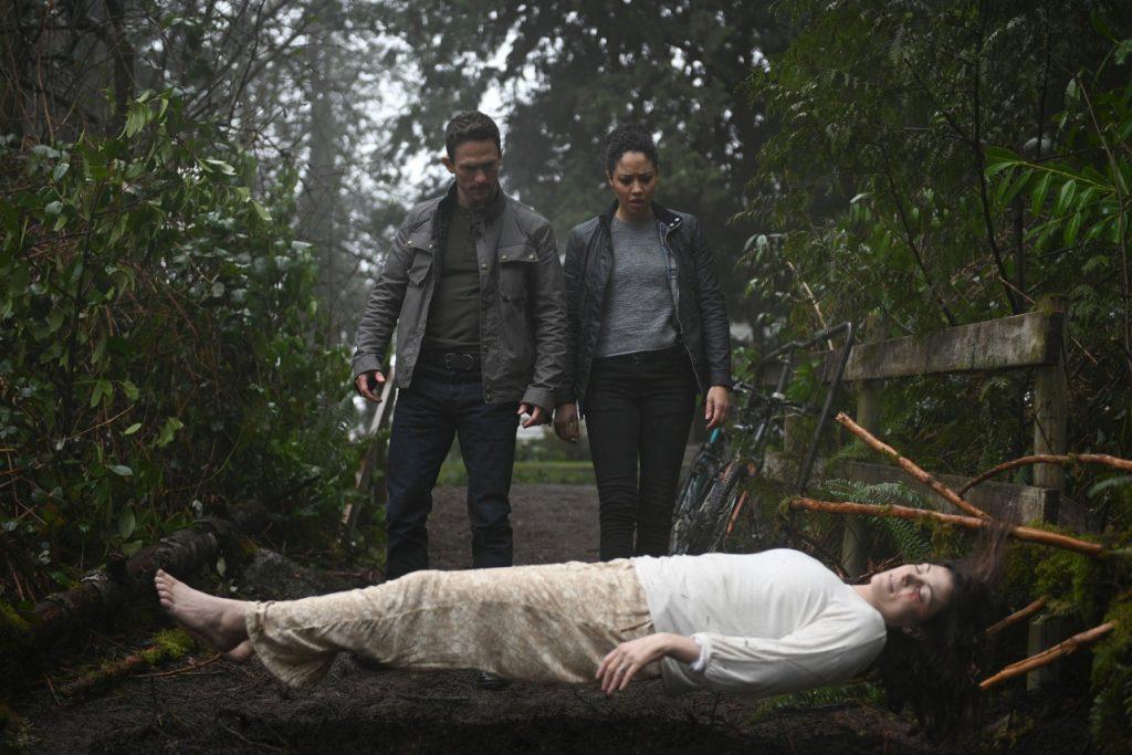 Новинки сериалов: что посмотреть в марте 2021? Супергерои, российские вампиры и почти «Секретные материалы»