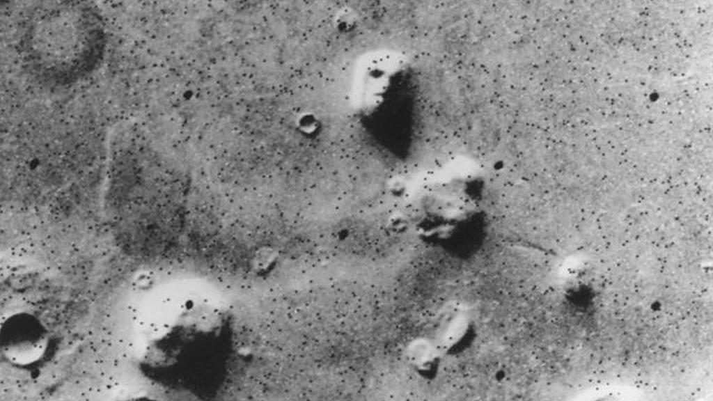 Иисус на тосте, лицо на Марсе: парейдолия у каждого из нас 3