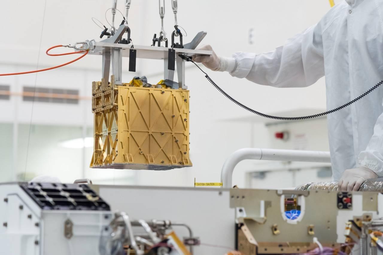 Роверу Perseverance удалось наМарсе переработать атмосферу вкислород