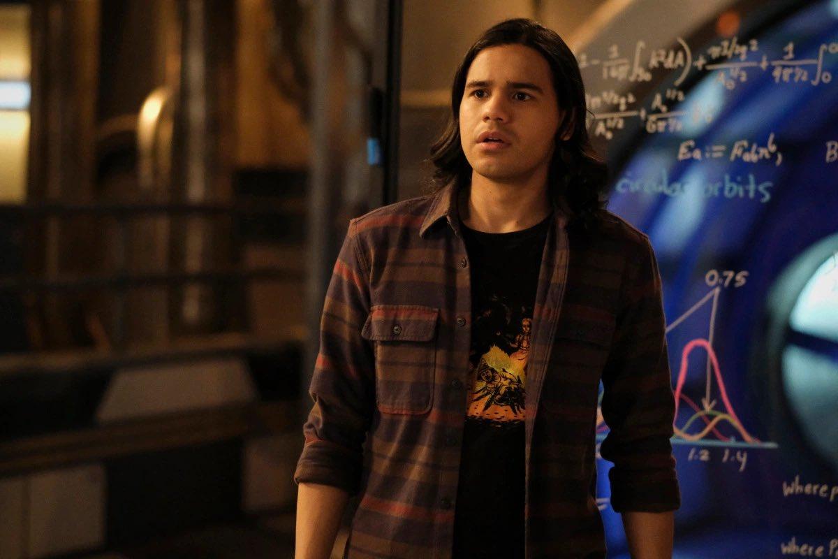 Карлос Вальдес задумывался об уходе из «Флэша» еще в четвертом сезоне