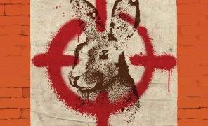 Джаспер Ффорде о своем самом свежем романе — сатирической антиутопии «Вечный кролик»